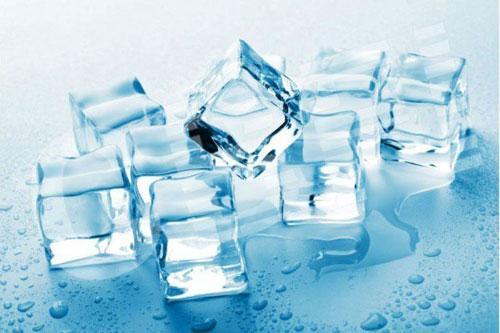 Bí ẩn sao nước đá có viên trắng đục, số khác lại trong veo? Ảnh 1