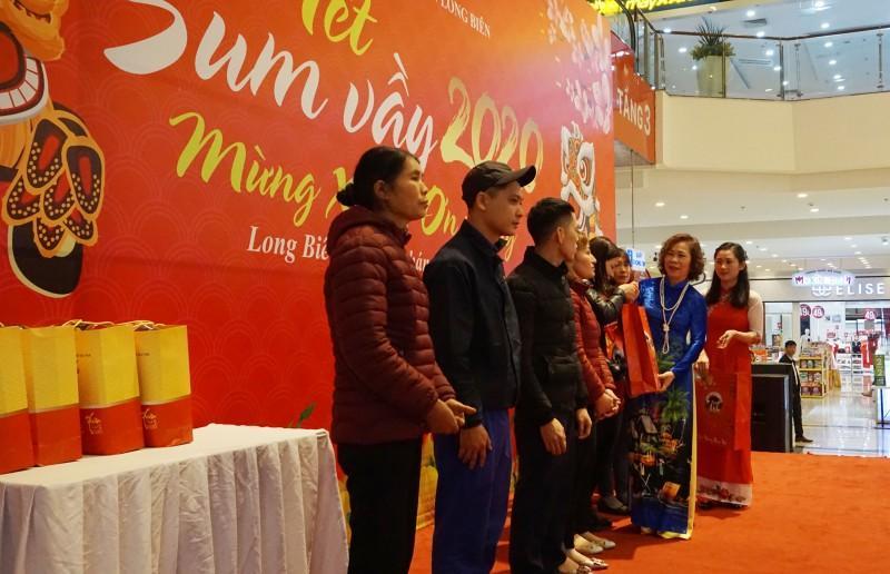 Đoàn viên công đoàn, người lao động quận Long Biên: Tưng bừng đón 'Tết Sum vầy' Ảnh 4