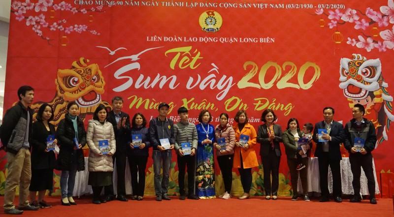 Đoàn viên công đoàn, người lao động quận Long Biên: Tưng bừng đón 'Tết Sum vầy' Ảnh 2