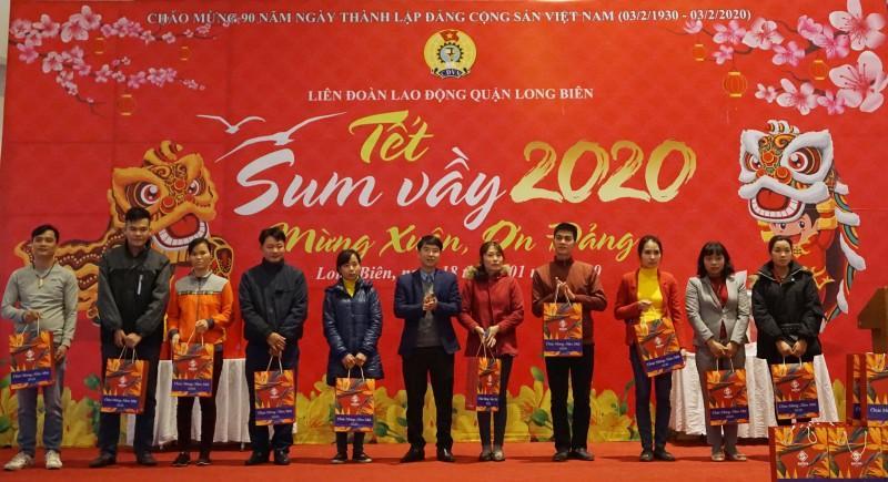 Đoàn viên công đoàn, người lao động quận Long Biên: Tưng bừng đón 'Tết Sum vầy' Ảnh 8