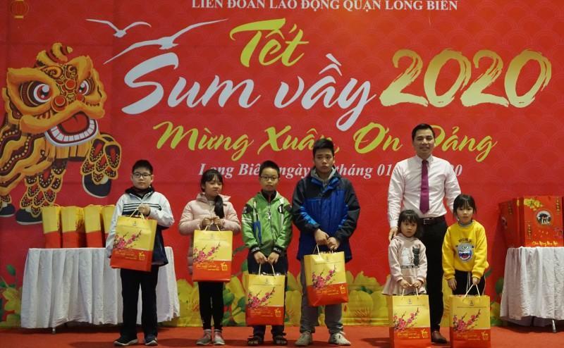 Đoàn viên công đoàn, người lao động quận Long Biên: Tưng bừng đón 'Tết Sum vầy' Ảnh 3