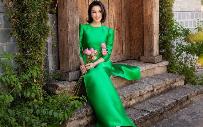 MC Thanh Mai khoe xuân sắc ngời ngời với áo dài dịp Tết Ảnh 7
