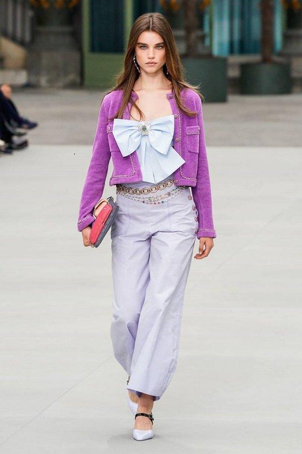 Mặc áo khoác giống Jennie Black Pink nhưng cách mix đồ của Chi Pu cao tay hơn hẳn Ảnh 6