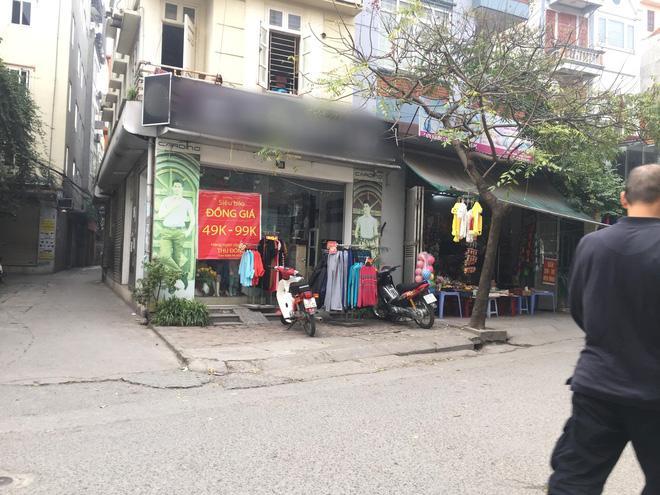 Vụ người phụ nữ mang bầu lái xe cán qua nia trái cây của cô bán hàng rong: Nữ nhân viên cửa hàng quần áo lên tiếng Ảnh 2