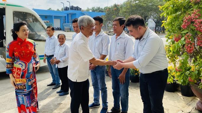 Lãnh đạo TP HCM thăm công nhân Khu liên hợp Xử lý chất thải Đa Phước Ảnh 2