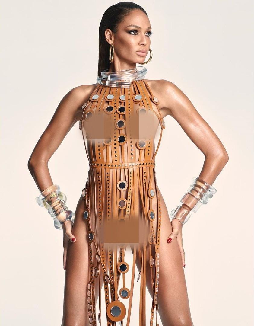 Dàn mỹ nhân chân dài Victoria's Secret đẹp xuất sắc trên Vogue Nhật Ảnh 8