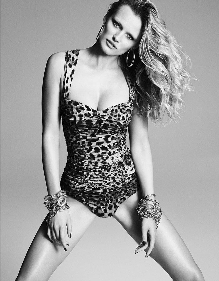 Dàn mỹ nhân chân dài Victoria's Secret đẹp xuất sắc trên Vogue Nhật Ảnh 16