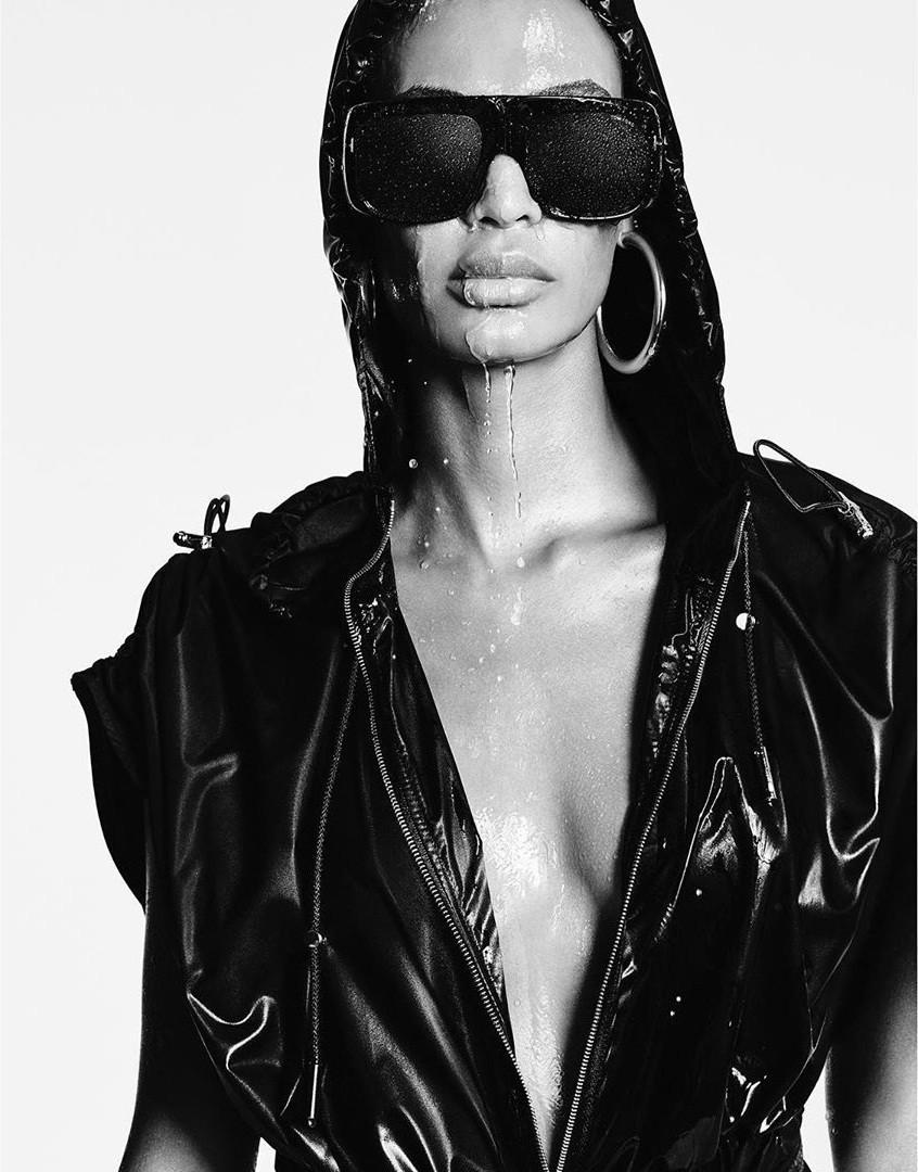 Dàn mỹ nhân chân dài Victoria's Secret đẹp xuất sắc trên Vogue Nhật Ảnh 10