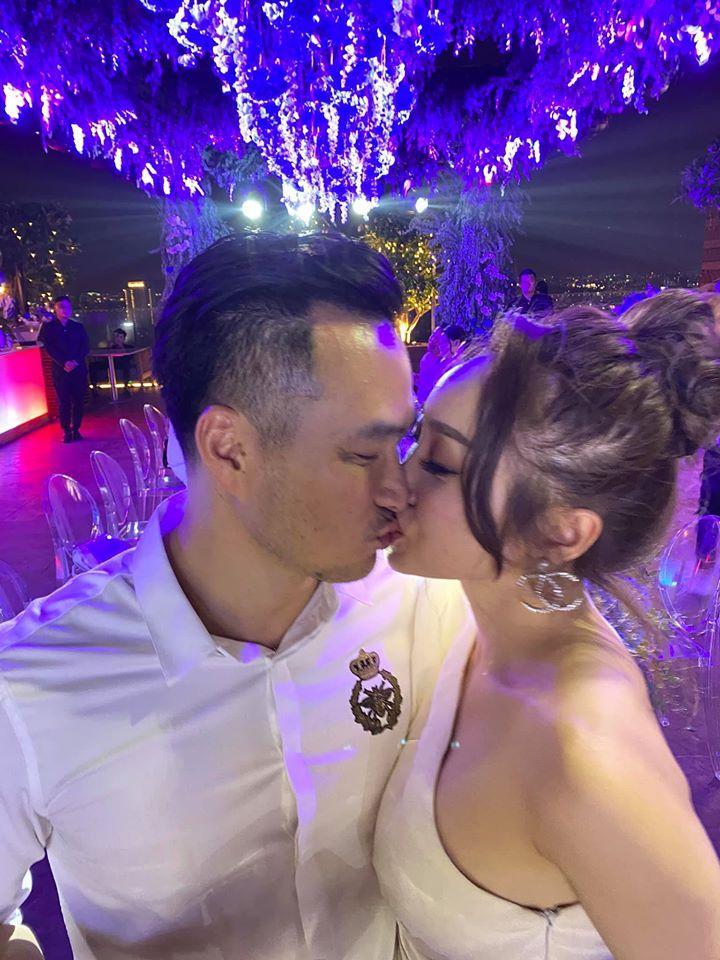 'Anh Chi Bảo đã ly hôn 2 lần, gia đình vẫn ủng hộ tôi yêu' Ảnh 4