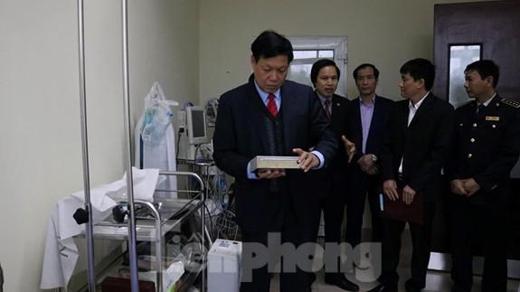 Thứ trưởng Bộ Y tế kiểm tra công tác phòng, chống dịch viêm phổi cấp ở biên giới Ảnh 2