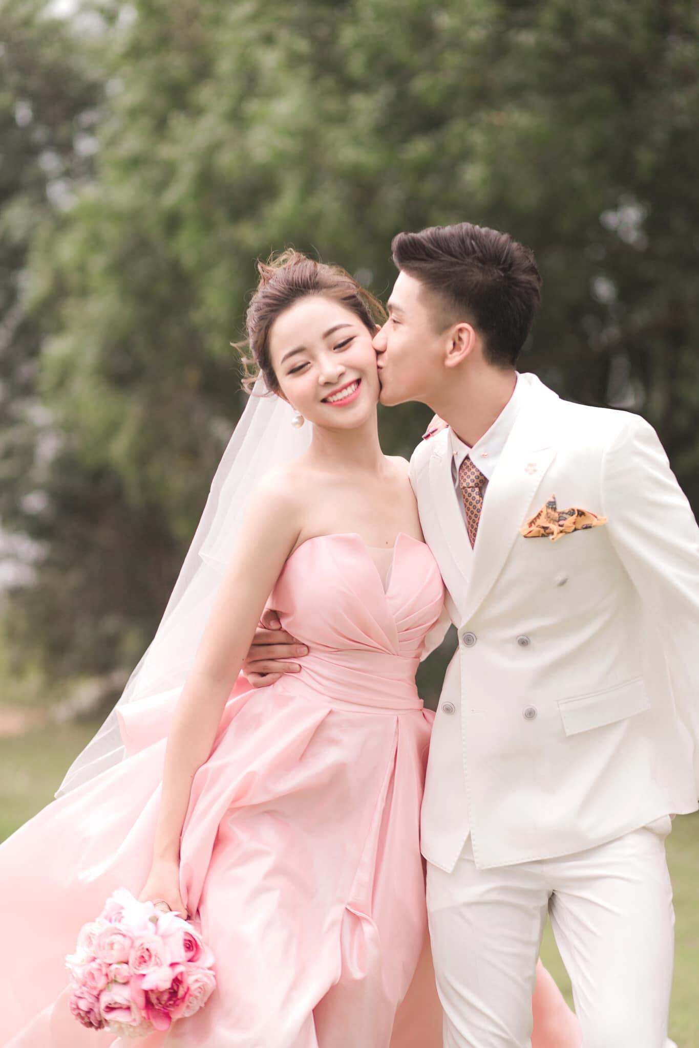 Vợ sắp cưới của Phan Văn Đức từ chối du lịch châu Âu để đón Tết cùng gia đình Ảnh 9