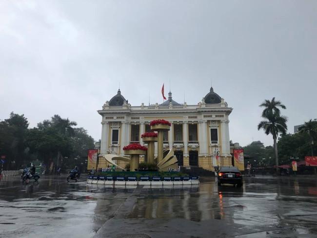 Đường phố Hà Nội vắng vẻ và yên bình tĩnh lặng ngày 30 Tết Ảnh 8