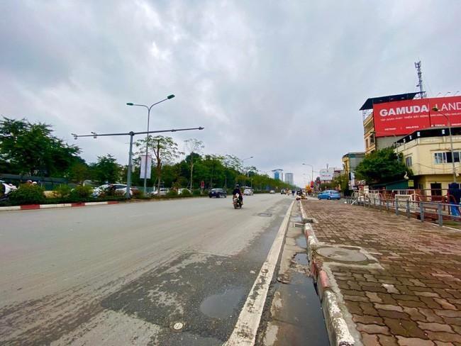 Đường phố Hà Nội vắng vẻ và yên bình tĩnh lặng ngày 30 Tết Ảnh 5