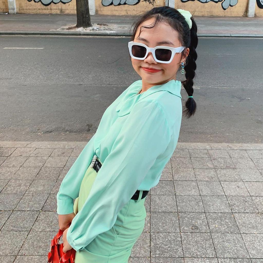 Mai Phương Thúy diện mốt giấu quần, Chi Pu khoe dáng với áo tắm Ảnh 8