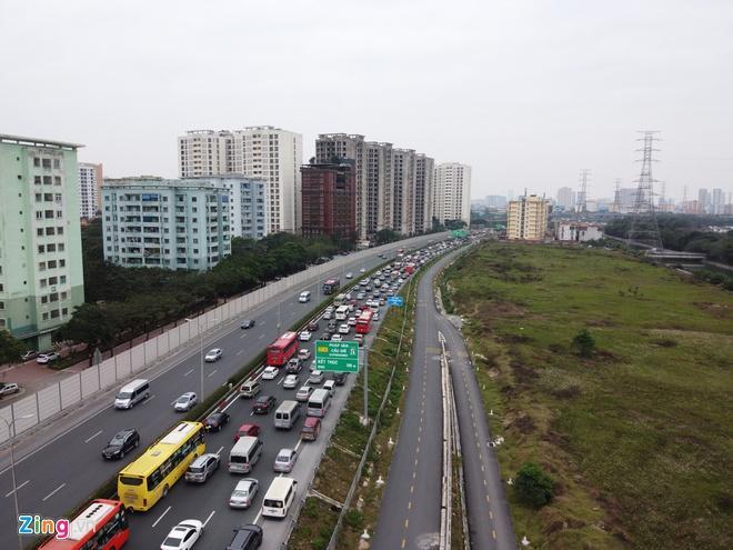 Người dân đổ về Hà Nội, cao tốc ùn tắc gần 10 km Ảnh 6