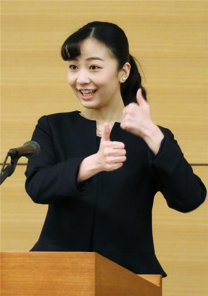 Hai nàng công chúa Nhật Bản gây chú ý với hai hình ảnh khác nhau một trời một vực: Người tỏa sáng rạng ngời, người ngày càng gây thất vọng Ảnh 4