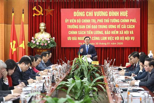 'Xông đất' Bộ Nội vụ, Phó Thủ tướng ra thông điệp cải cách tiền lương Ảnh 2