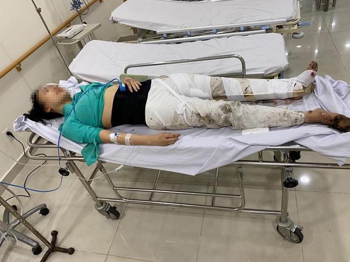 Tai nạn kinh hoàng gần sân bay Tân Sơn Nhất, lái xe sang đang trốn Ảnh 2