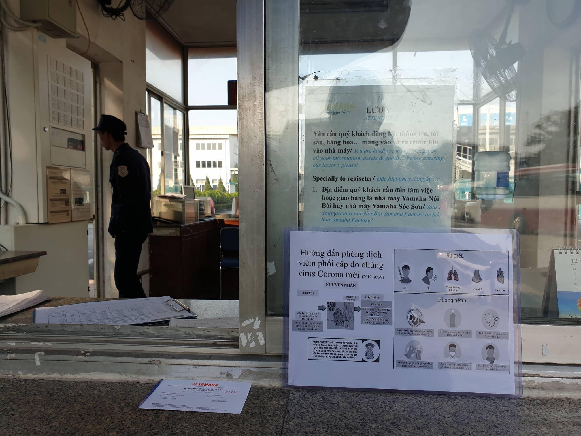 Công nhân nhận lì xì đầu năm bằng khẩu trang chống dịch virus corona Ảnh 4