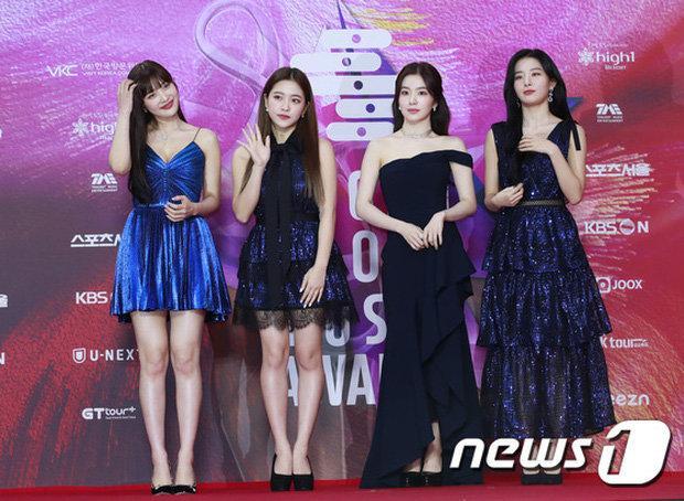 Đụng hàng cùng Joy - Red Velvet và Taeyeon, Thiều Bảo Trâm chẳng chút kém cạnh cùng visual 'cực đỉnh' Ảnh 3