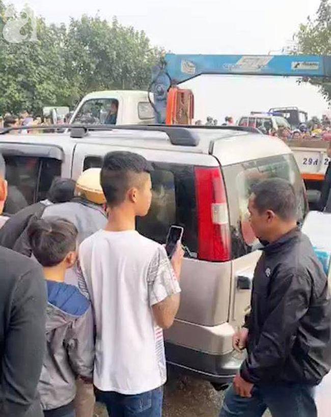 Nam Định: Xe 7 chỗ trôi xuống sông khi qua phà, một người tử vong Ảnh 2