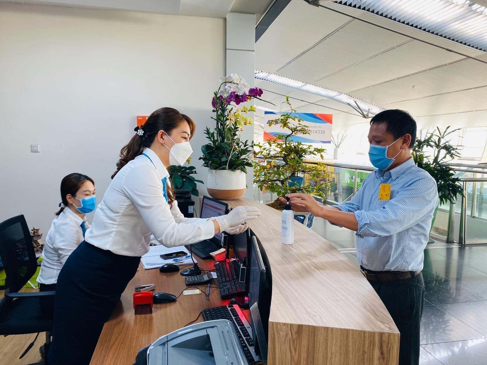 Vietnam Airlines khử trùng toàn bộ tàu bay trở về từ vùng có dịch nCoV Ảnh 1