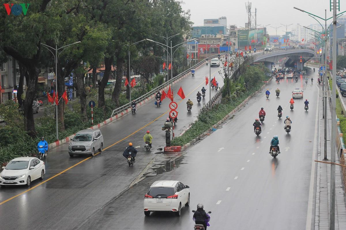 Đường phố Hà Nội thông thoáng dù trong giờ cao điểm Ảnh 2