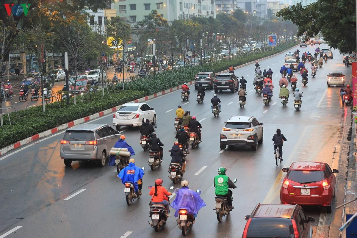 Đường phố Hà Nội thông thoáng dù trong giờ cao điểm Ảnh 10
