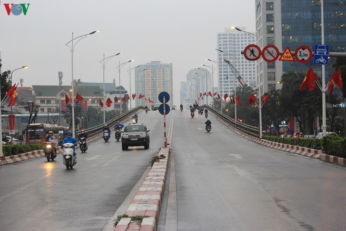 Đường phố Hà Nội thông thoáng dù trong giờ cao điểm Ảnh 8
