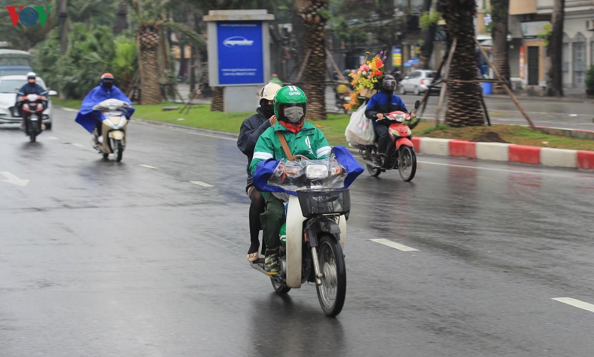 Đường phố Hà Nội thông thoáng dù trong giờ cao điểm Ảnh 3