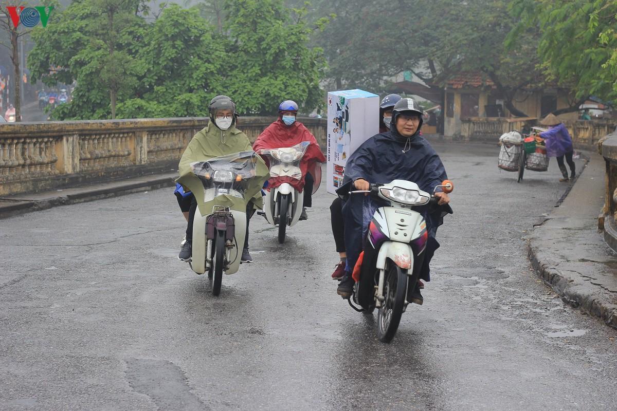 Đường phố Hà Nội thông thoáng dù trong giờ cao điểm Ảnh 4