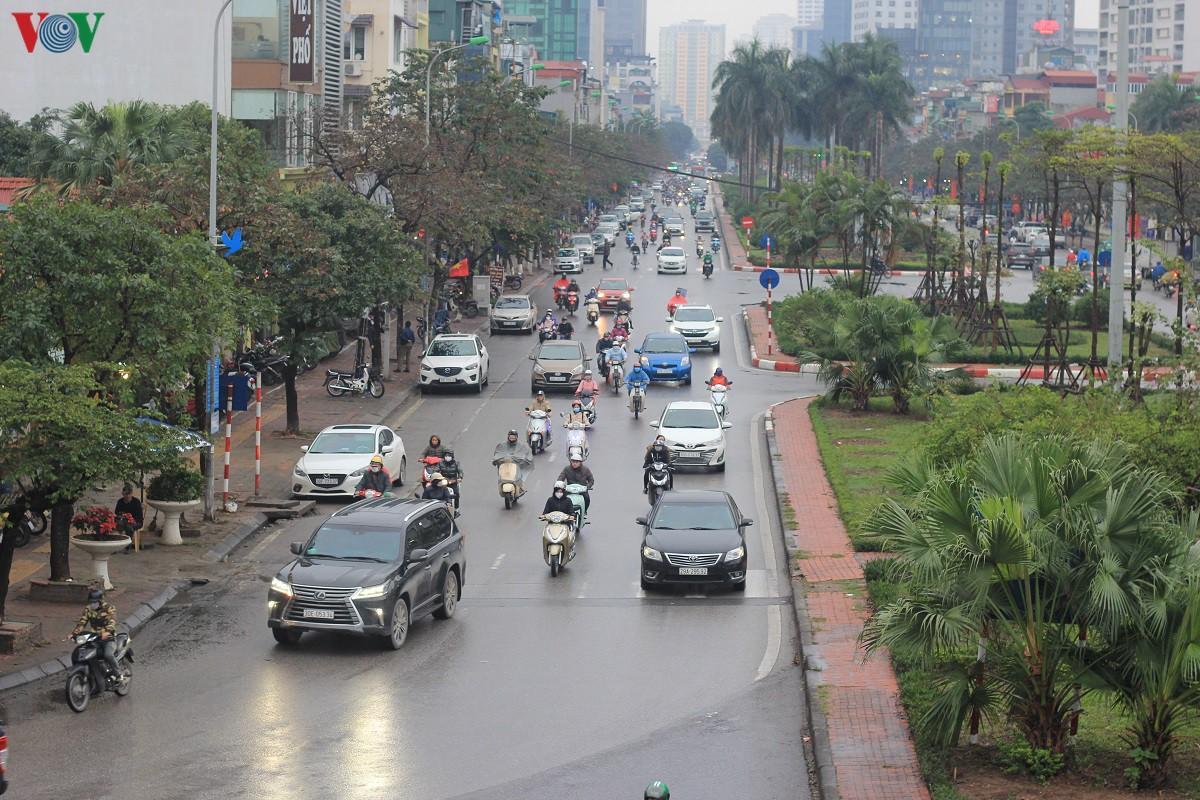 Đường phố Hà Nội thông thoáng dù trong giờ cao điểm Ảnh 6