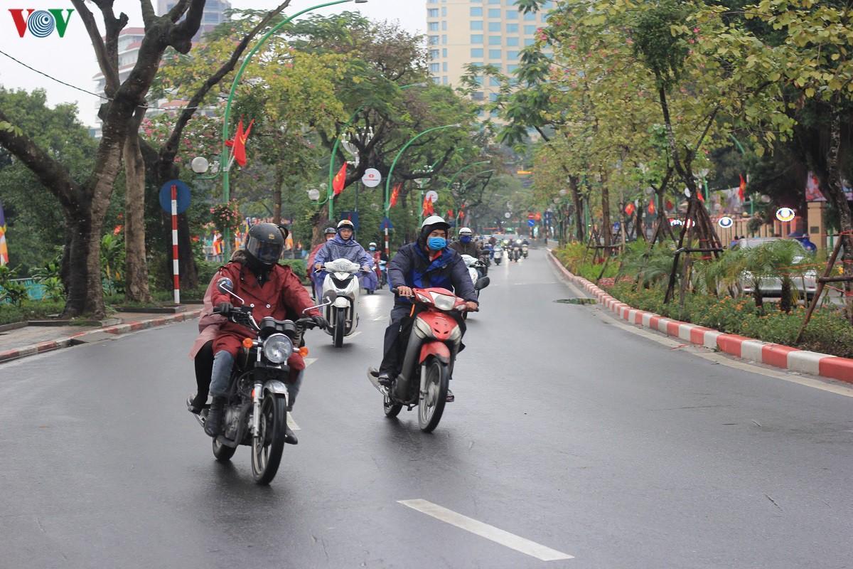 Đường phố Hà Nội thông thoáng dù trong giờ cao điểm Ảnh 5
