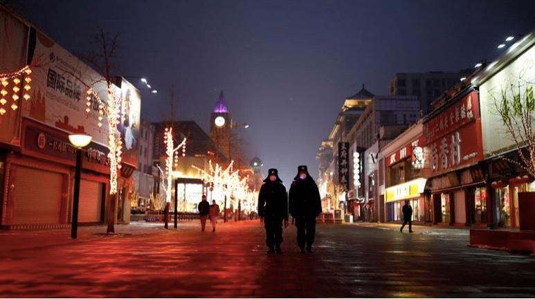 Hình ảnh các thành phố nhộn nhịp trở nên vắng ngắt vì virus corona Ảnh 2