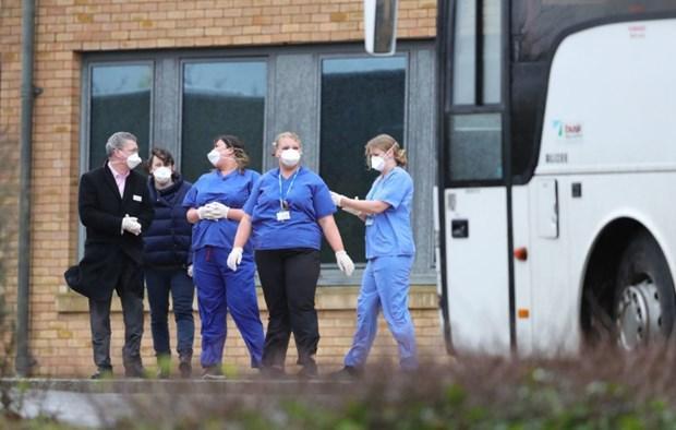 Hai trường hợp mới nhiễm nCoV tại Anh là nhân viên y tế Ảnh 1