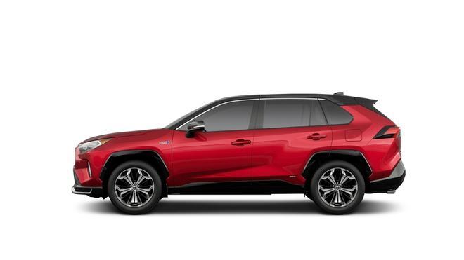 Toyota mang RAV4 Prime PHEV 2021 tới Chicago, cấm chạm vào xe Ảnh 17
