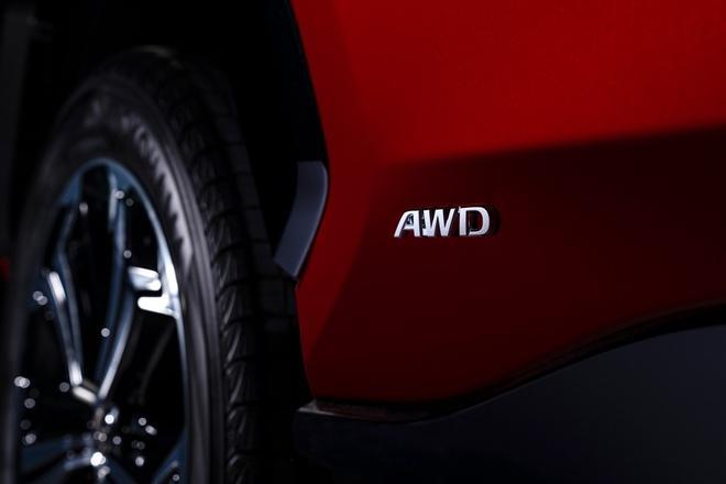Toyota mang RAV4 Prime PHEV 2021 tới Chicago, cấm chạm vào xe Ảnh 25