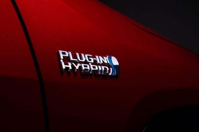 Toyota mang RAV4 Prime PHEV 2021 tới Chicago, cấm chạm vào xe Ảnh 22