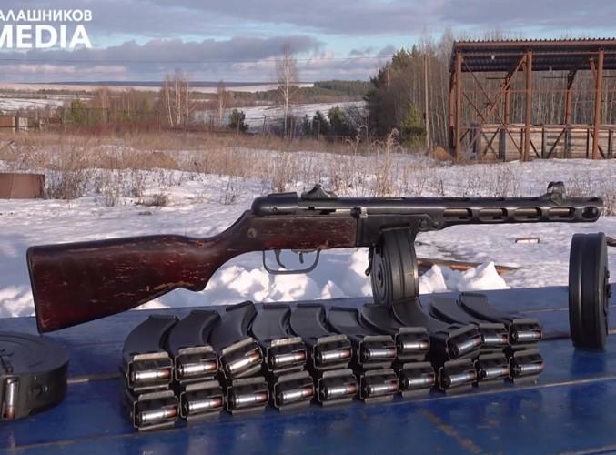 Súng tiểu liên 78 tuổi Liên Xô xả liên tục 900 phát đạn mà không hỏng hóc Ảnh 2
