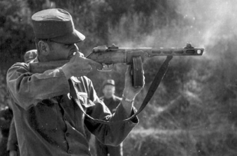 Súng tiểu liên 78 tuổi Liên Xô xả liên tục 900 phát đạn mà không hỏng hóc Ảnh 13