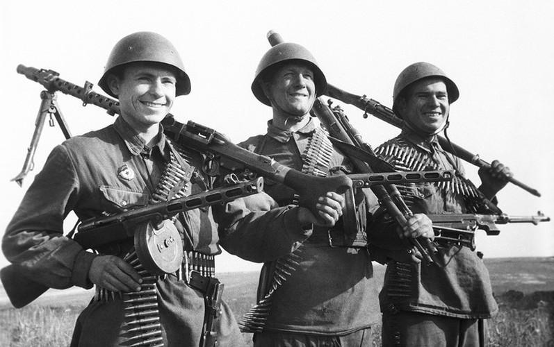 Súng tiểu liên 78 tuổi Liên Xô xả liên tục 900 phát đạn mà không hỏng hóc Ảnh 11