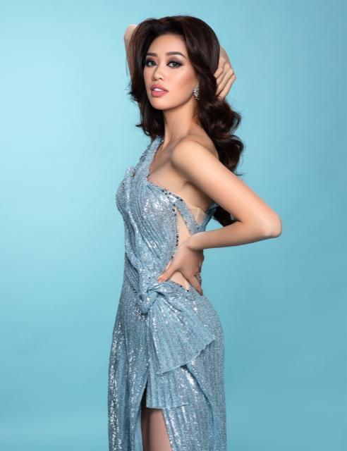 Hoa hậu Khánh Vân khoe vai trần gợi cảm sau 2 tháng đăng quang Ảnh 9