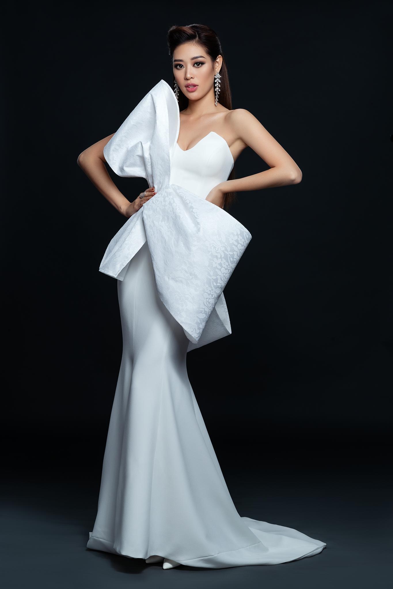Hoa hậu Khánh Vân khoe vai trần gợi cảm sau 2 tháng đăng quang Ảnh 2