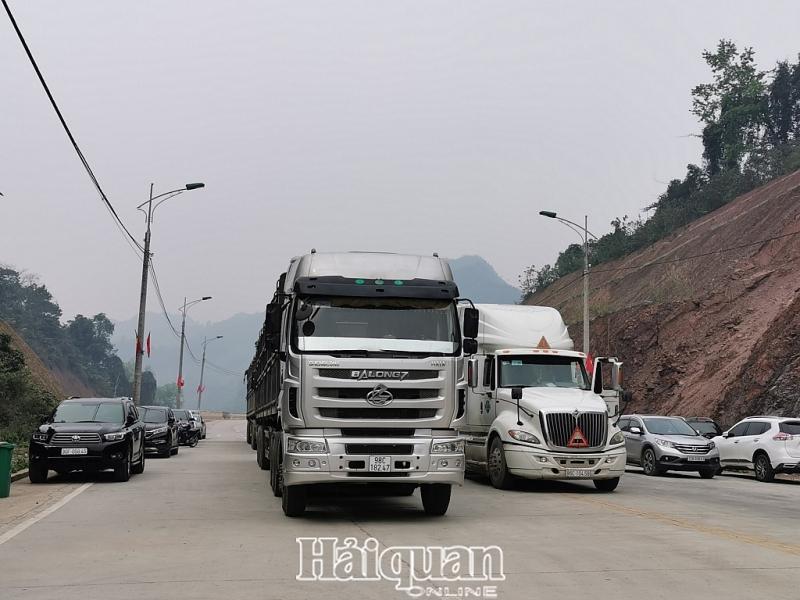 Cửa khẩu Tân Thanh: Thông quan hàng nông sản chưa được cải thiện nhiều Ảnh 2