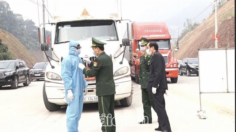 Cửa khẩu Tân Thanh: Thông quan hàng nông sản chưa được cải thiện nhiều Ảnh 1