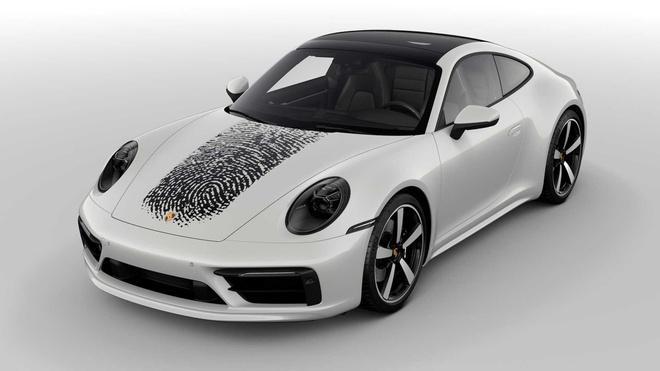 In dấu vân tay lên nắp capô Porsche 911, chủ xe tốn 8.100 USD Ảnh 3