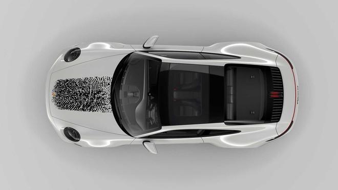 In dấu vân tay lên nắp capô Porsche 911, chủ xe tốn 8.100 USD Ảnh 5