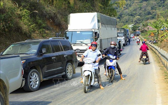 Xe container đối đầu xe tải, giao thông trên Quốc lộ 279 tê liệt Ảnh 6