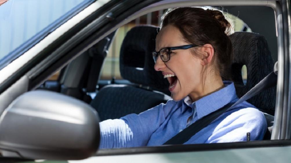 Ô tô mất lái, nguyên nhân và cách xử lý an toàn nhất Ảnh 1