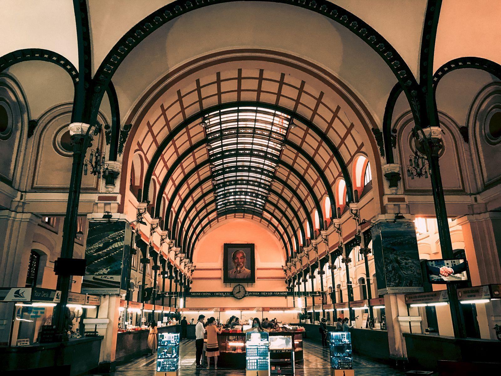 Khám phá Bưu điện gần 130 năm tuổi ở TP Hồ Chí Minh Ảnh 2